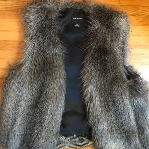 Club Monaco Grey Faux Fur Vest. Size Large.
